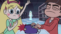 S2E18 Marco Diaz trying to pick up the wallet