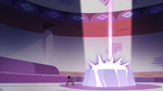 S2E22 Spider With a Top Hat sees the wand entrance glow