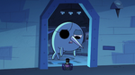 S2E22 Narwhal opens door for Spider With a Top Hat