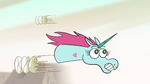 S2E13 Pony Head dodging flying T-shirts
