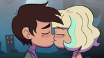 S2E27 Marco and Jackie kissing