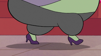 S2E16 Close-up on Miss Skullnick's feet