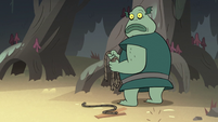 S2E12 Buff Frog holding cut ropes