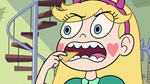 S2E25 Star Butterfly threatens to eat Glossaryck's chip