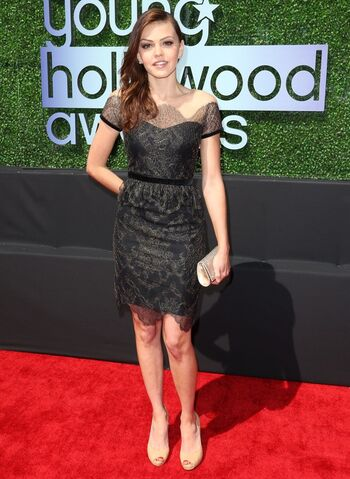 File:Aimee-teegarden-2013-young-hollywood-awards-02.jpg