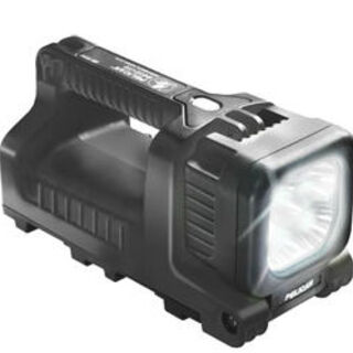 Heavy-duty flashlight