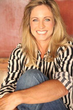 Jessica Steen.jpg