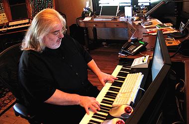 File:Joel Goldsmith piano.jpg