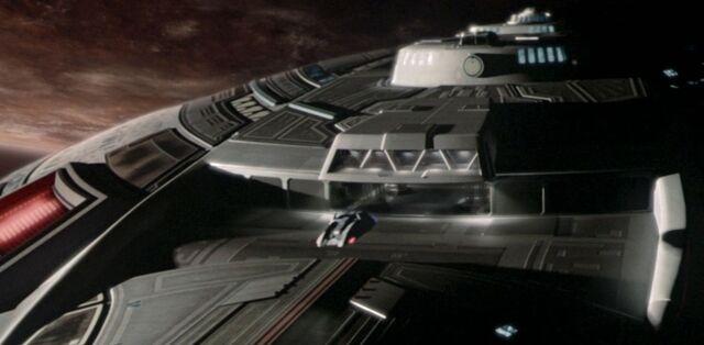 File:Shuttlebay (main), Sovereign-class.jpg