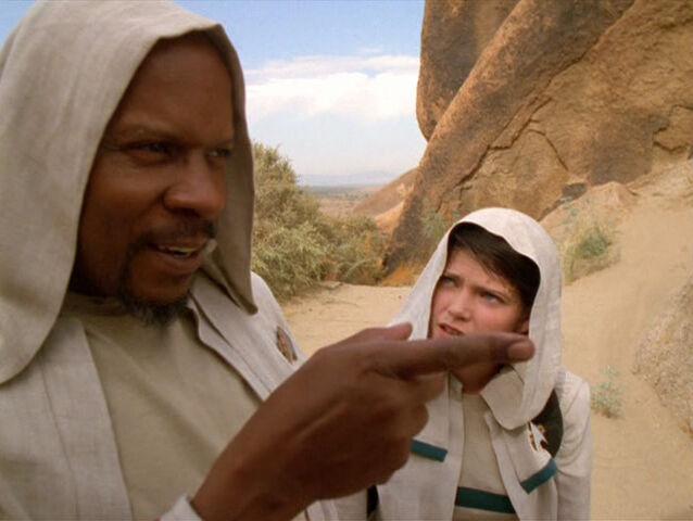 File:Sisko and Dax on Tyree.jpg