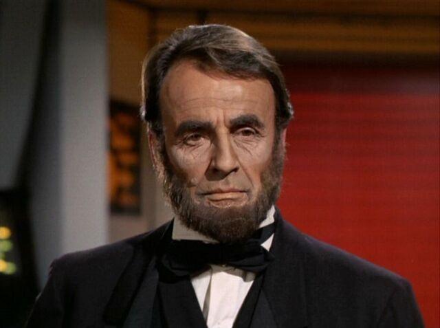 File:1000px-Abraham Lincoln.jpg