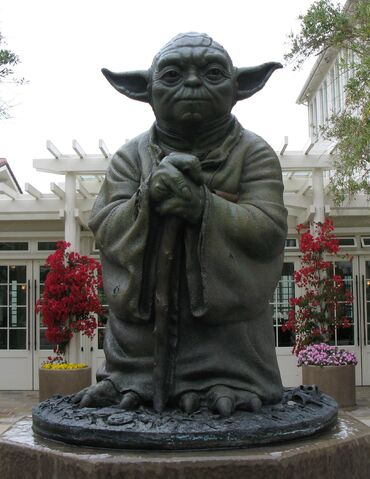File:Yoda Statue.jpg