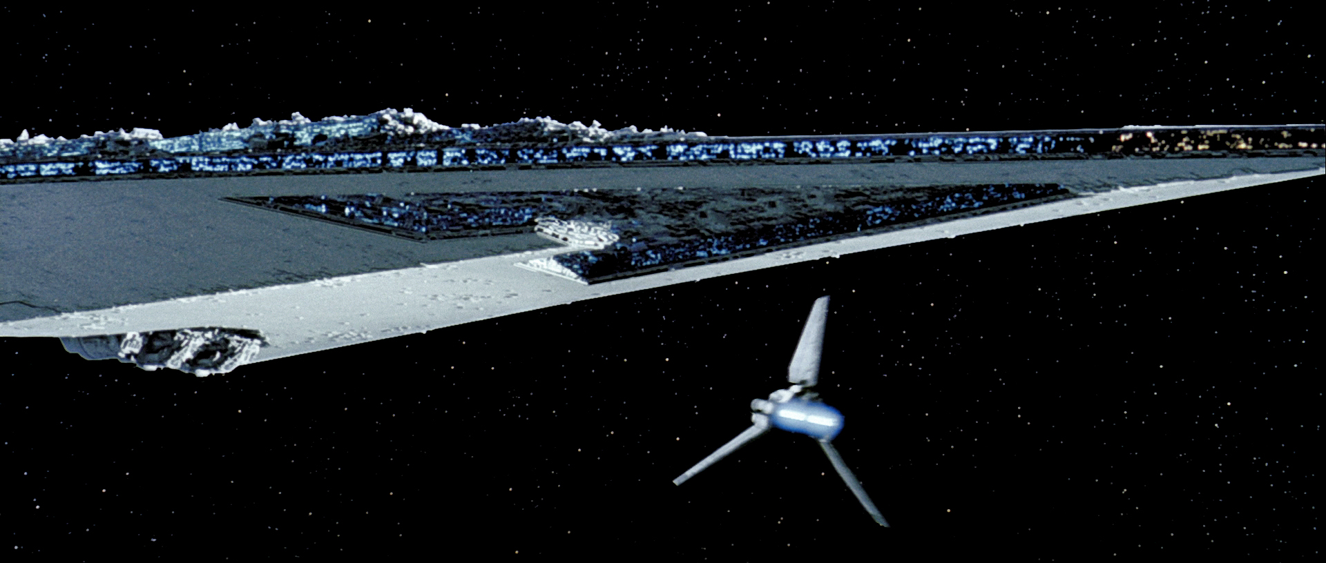 Kylo S Dreadnaught In Last Jedi Isn T As Big As Darth Vader S