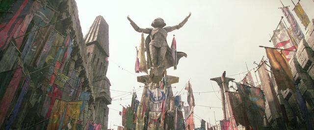 File:Maz statue.jpg