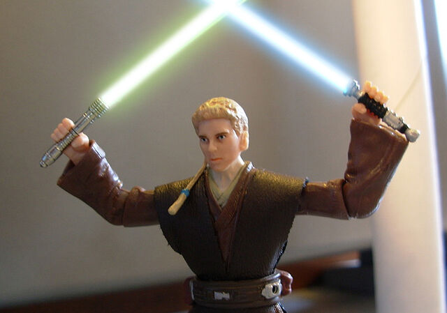 File:Anakin cross sabers.jpg