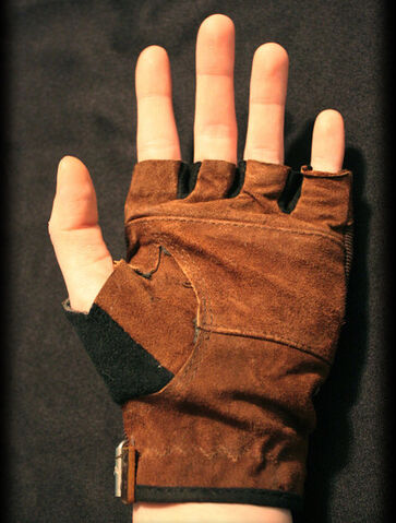 File:Steampunk-gloves 02.jpg