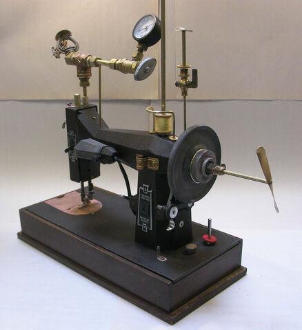 File:Sewing machine.jpg