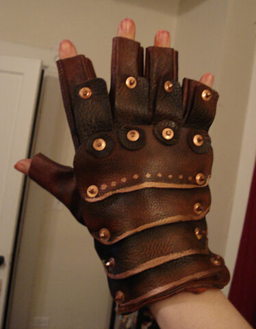 File:Steampunk-gloves 01.jpg