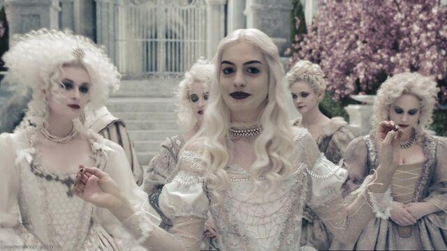 File:The-White-Queen-Alice-in-Wonderland.jpg