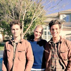 A Cameron Sandwich! Kyle and his Stunt Double from the Pilot episode