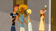 """S1 E16 Reef tells Fin """"What!"""""""