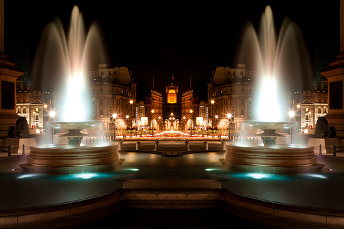 File:Mirror Pool (Trafalgar Square), London.jpg