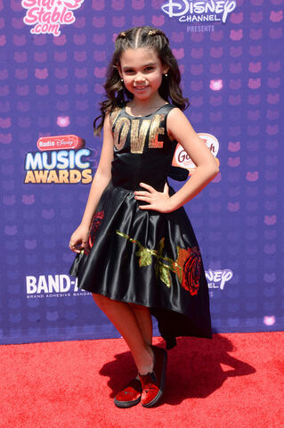 File:Ariana Greenblatt 2016 Radio Disney Music NPsMCG6DP-Gl.jpg