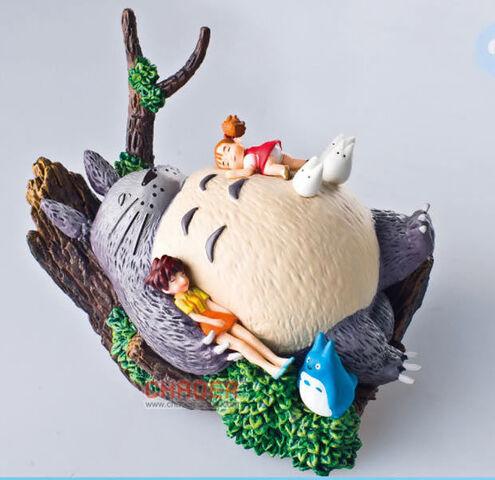 File:Totoro and Satsuki & Mei.jpg