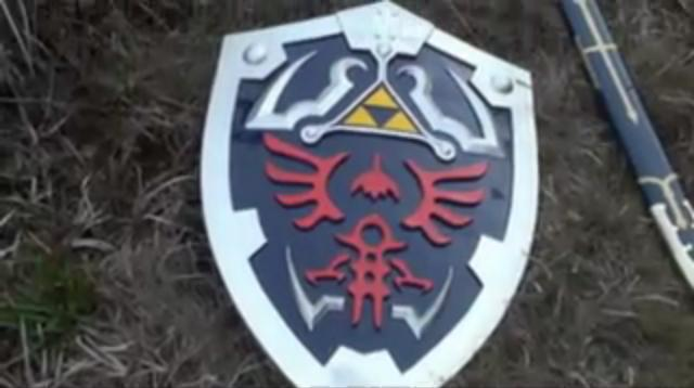 File:Link's Shield.jpg