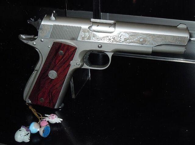 File:Sucker Punch babydoll pistol.jpg