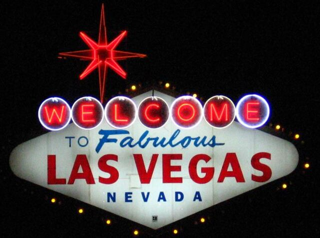 File:Welcome-to-fabulous-las-vegas-nevada-sign-night-1599.jpg