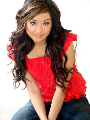 Debi-Patton-Photoshoot-brenda-song-6899301-300-400