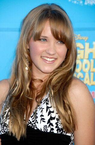 File:World Premiere Disney Channel High School PoyXUbNdzJUl.jpg