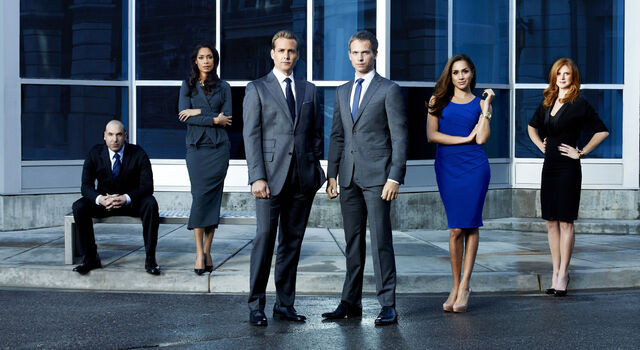 File:Characters Suits Season 2.jpg