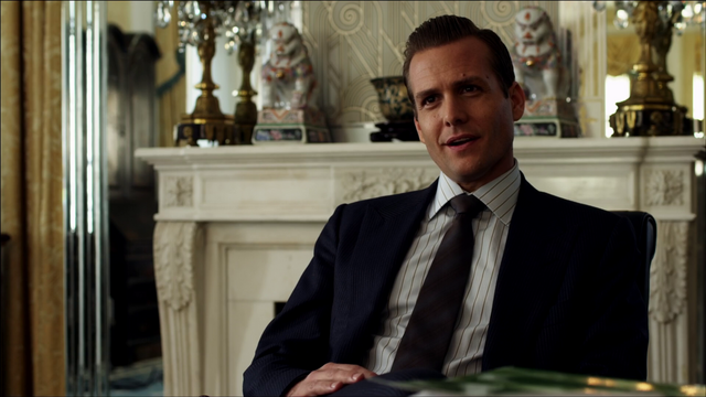 File:S01E01P28 Harvey.png
