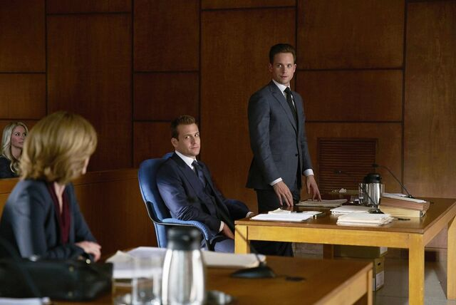 File:Suits 5x15 - Tick Tock.jpg