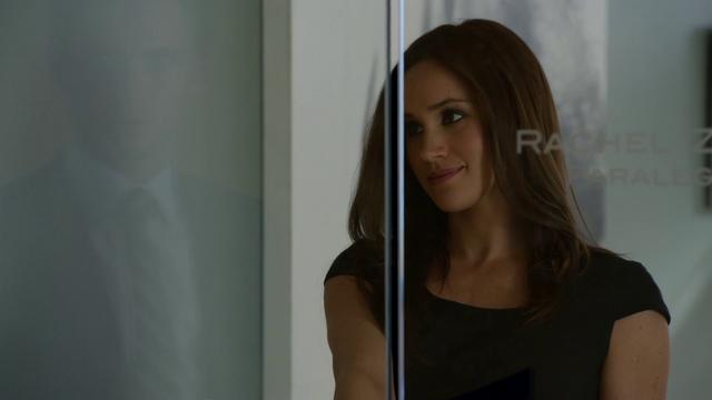 File:S01E02P007 Rachel.png