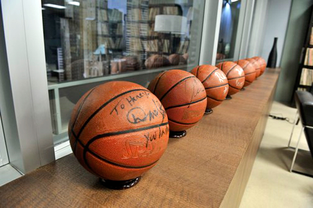 File:BTS Maxim 2012 Basketballs.png