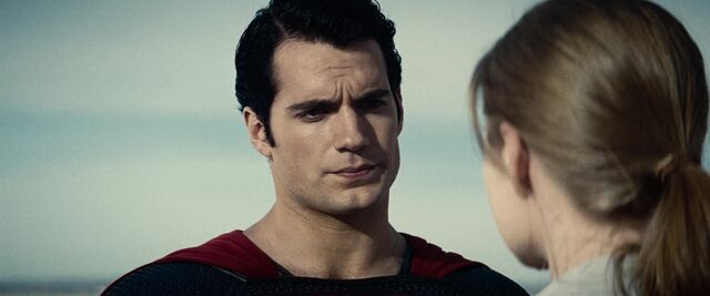 File:Man-of-Steel-Trailer-Images-Superman-with-Lois-Lane-1024x426.jpg
