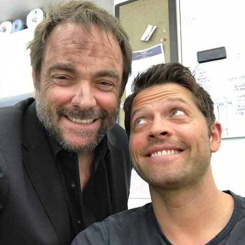 File:Misha and Mark BTS 12x23.jpg