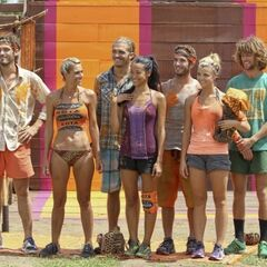The new Gota tribe before the challenge.