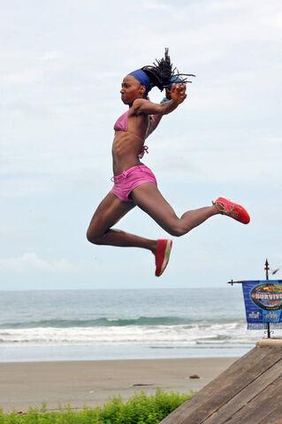 File:NaOnka-Mixon-jumpshot.jpg