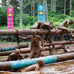 Asaga competes in the second immunity challenge.
