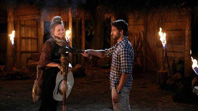 File:Australian-Survivor-Episode-10-Tribal-Council-Vavau---Kat-Leaves2 900x506.jpg