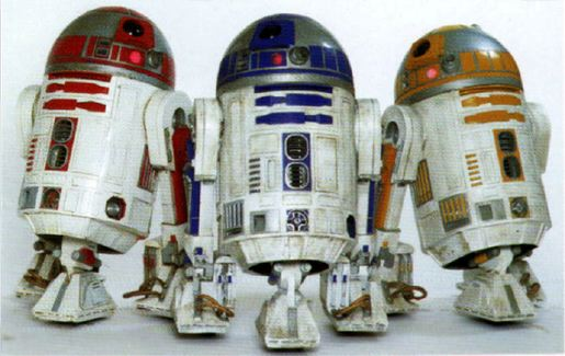 File:Droid Three Artoos.jpg