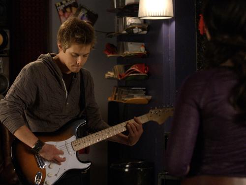 File:Toby-Kennish playing guitar.jpg