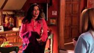 Switched at Birth - 4x7 Sneak Peek Daphne & Regina's News