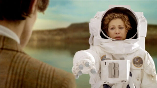File:River kills the Doctor.jpg