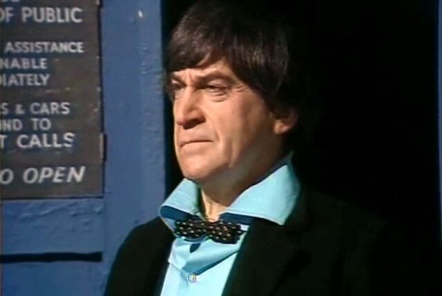 File:Second Doctor in TARDIS door.jpg