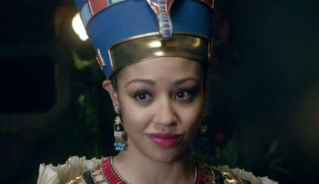 File:Queen Nefertiti.jpg